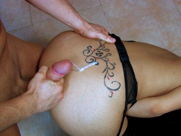 lou-charmelle-baisee-ejaculer-fesses-16