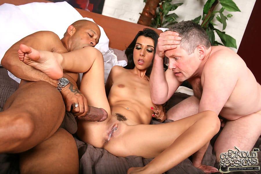 Сучки изменяют мужьям фото, посмотреть фото тантрического массажа юлии варры