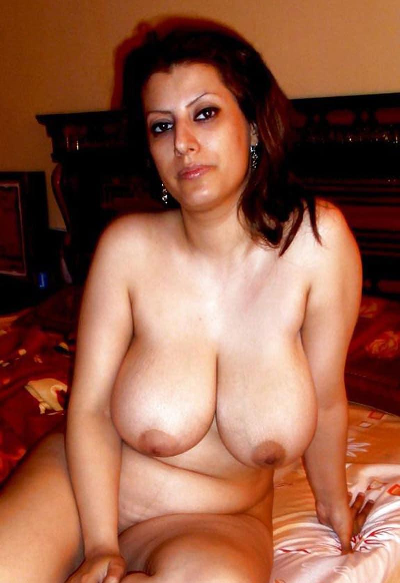 Loubna, maman algérienne à gros seins, de La Courneuve