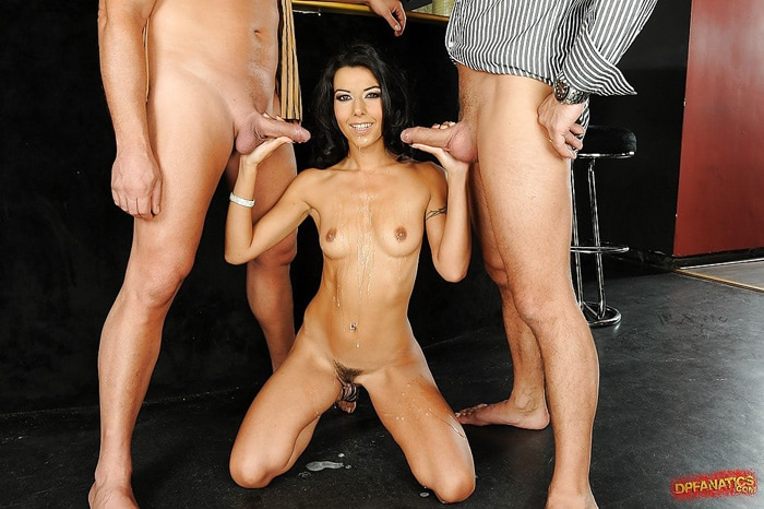 lou-charmelle-threesome-dp-fanatics-15