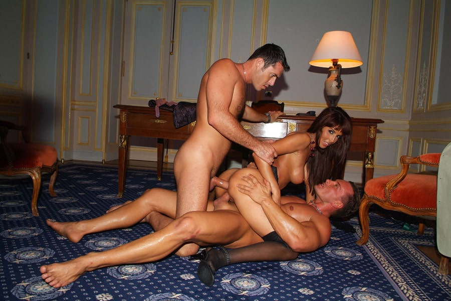 yasmine-laffite-bourgeoise-arabe-partouze-22