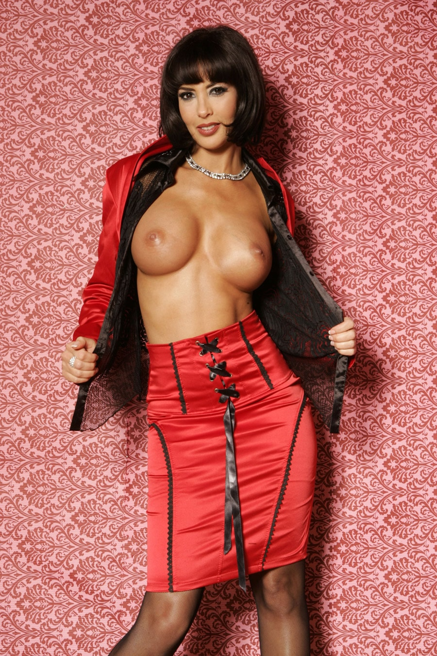 yasmine-pute-frange-lingerie-rouge-provocante-4